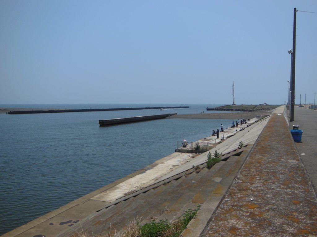 平塚港と相模川