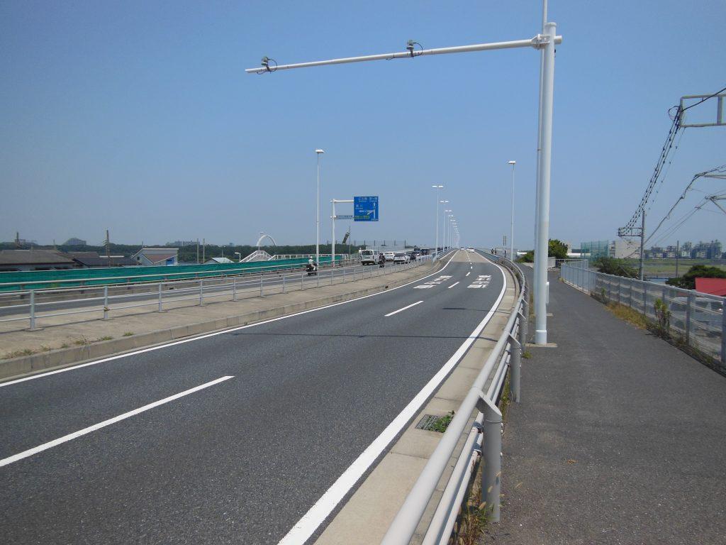 平塚側からの湘南大橋