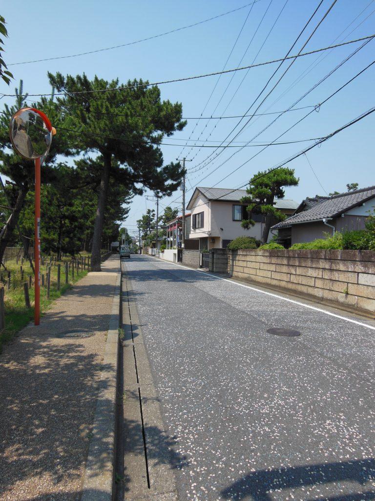 茅ヶ崎駅方面への路地