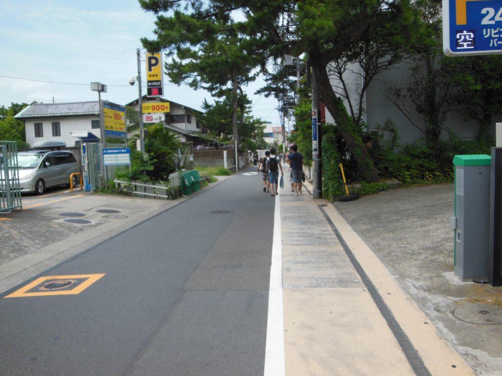 逗子海岸への通り