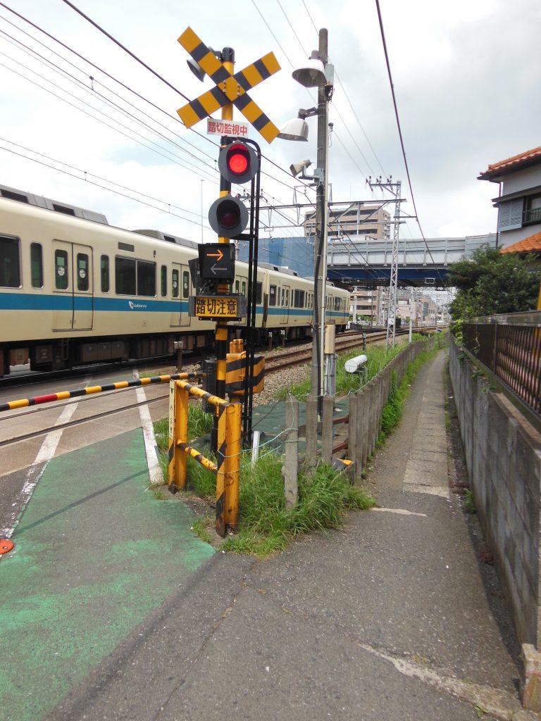 藤沢本町付近の踏切