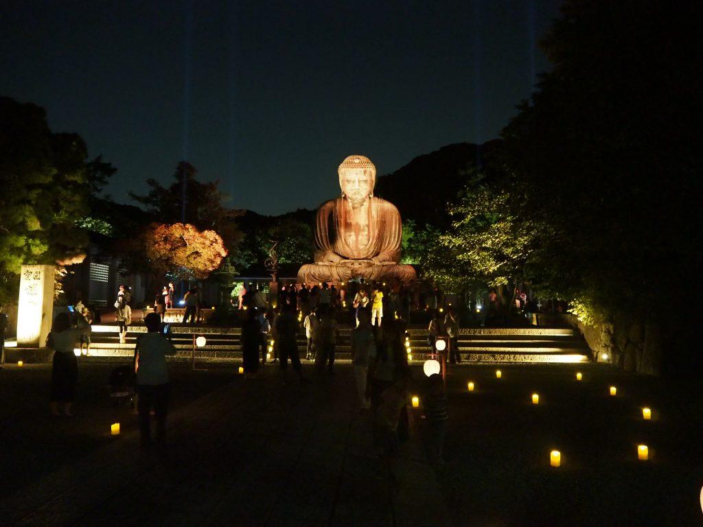 鎌倉大仏のライトアップの様子