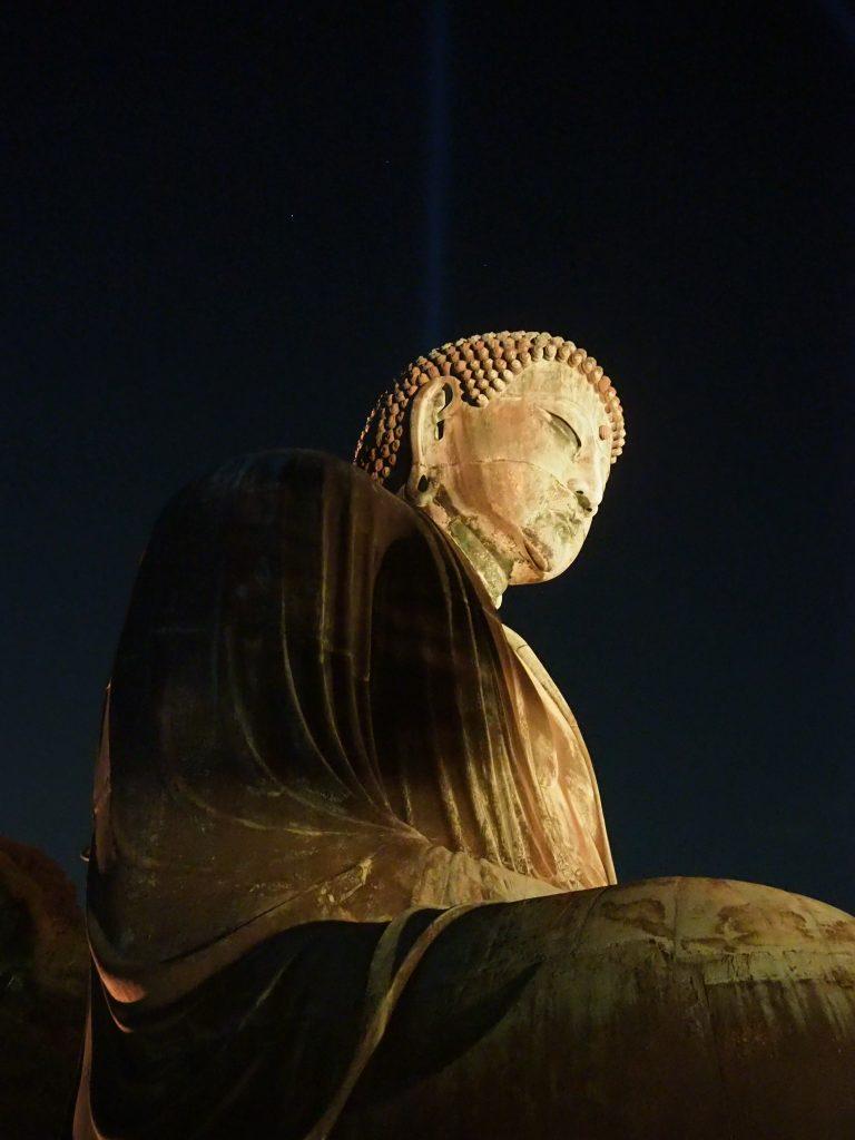 ライトアップされた鎌倉大仏
