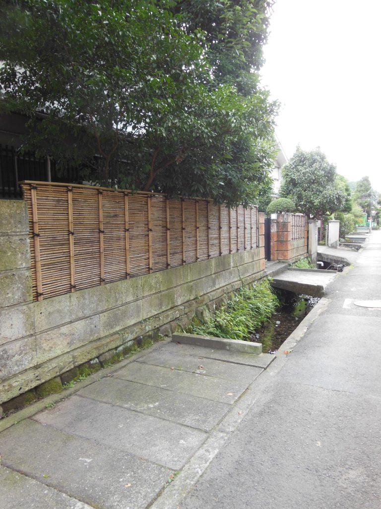 鎌倉宮から杉本寺へ向かう二階堂地区の路地