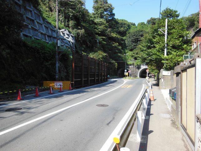 大仏坂トンネル方面へ進む