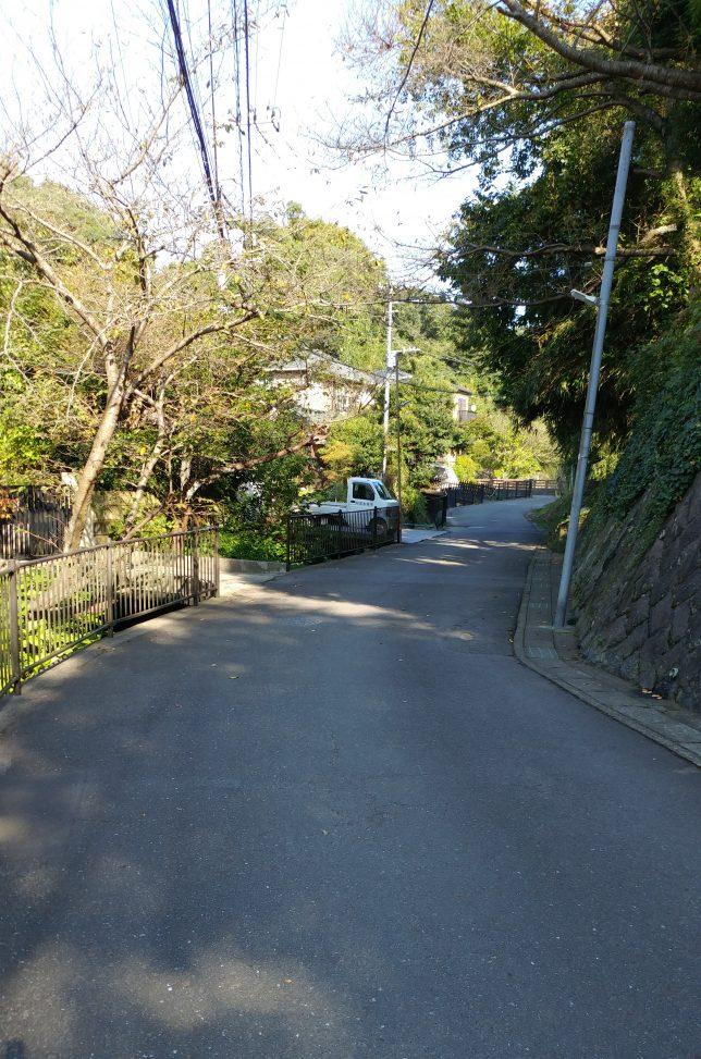 大刀洗川横の道を切通し方面へ