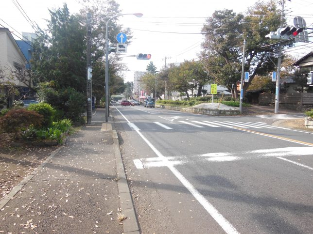 県道30号を藤沢方面へ