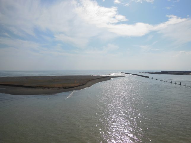 湘南大橋から臨む相模湾