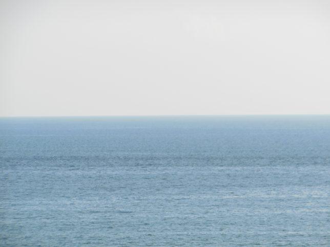 国道1号から臨む相模湾