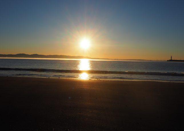 片瀬東浜から見る日の出