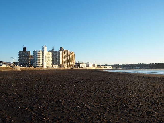 片瀬東浜・朝の光景