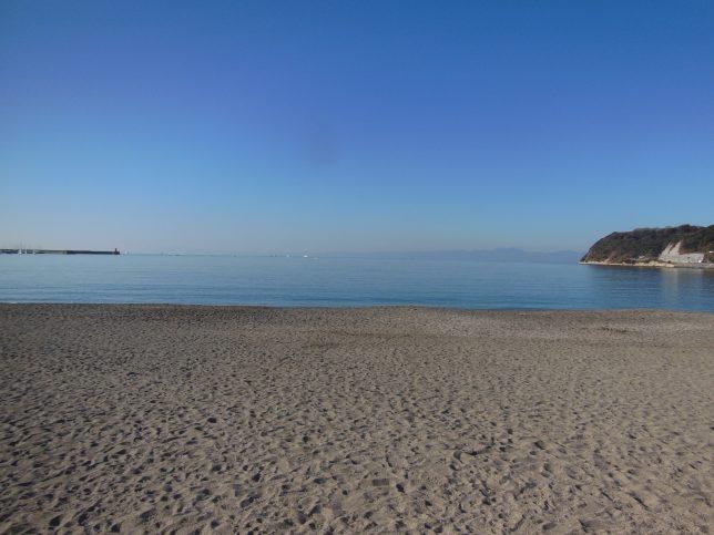 静かな1月の逗子海岸