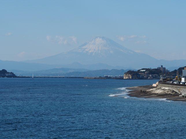 稲村ヶ崎から臨む富士山