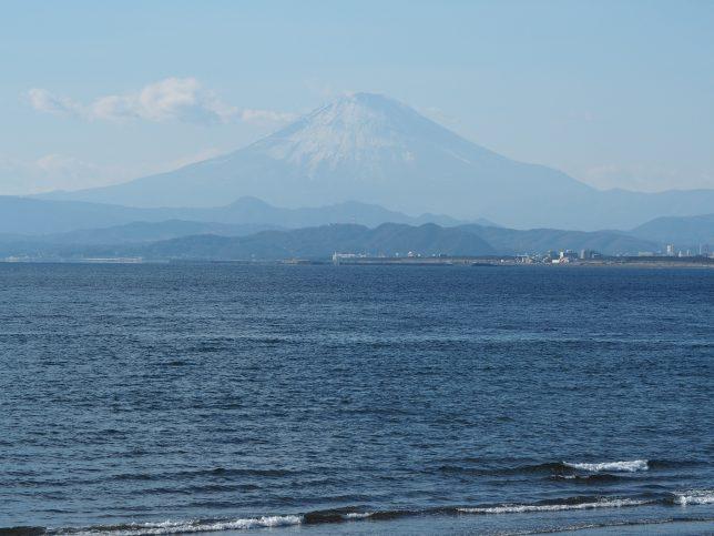 片瀬西浜から臨む富士山