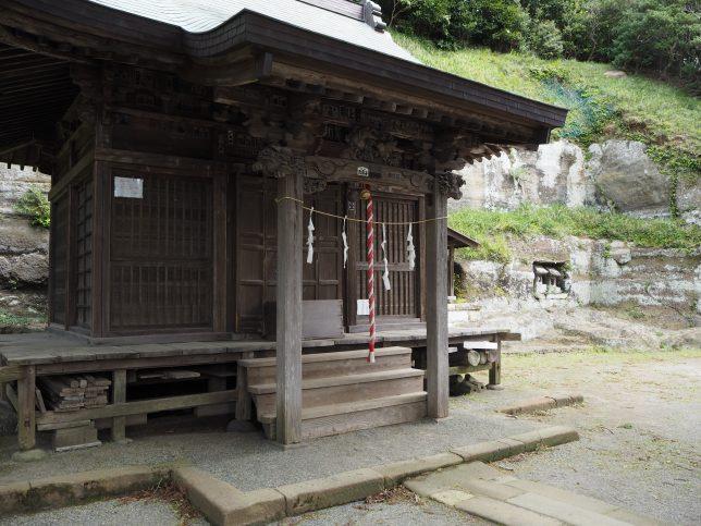 十二所神社の社殿