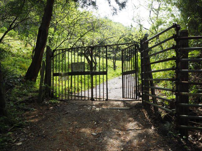 十二所果樹園・入口