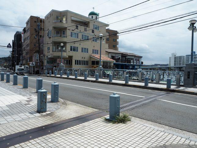 平潟湾に沿って洲崎町を歩く