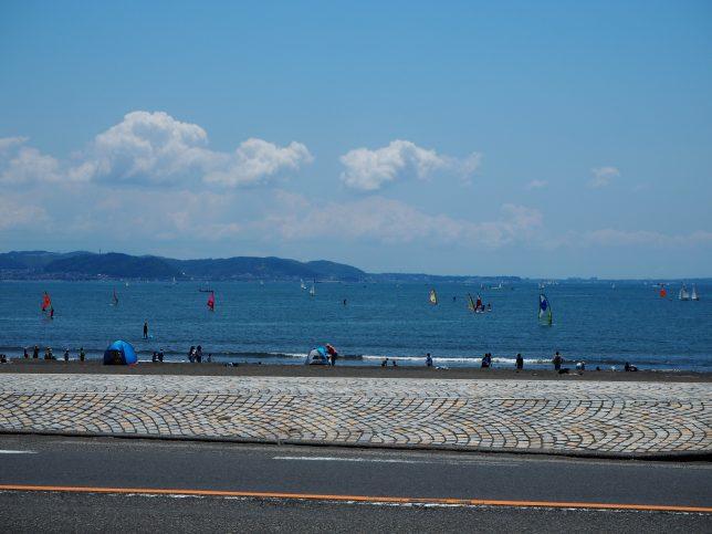 弁天橋から臨む片瀬東浜