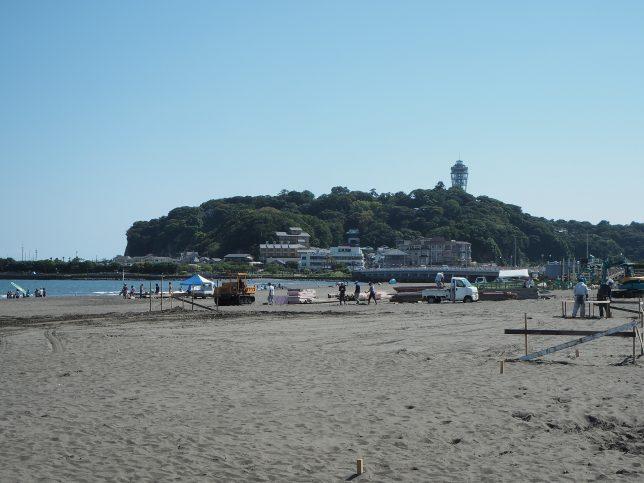 船を降り、片瀬東浜へ