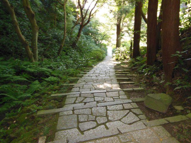 閑静な瑞泉寺の境内