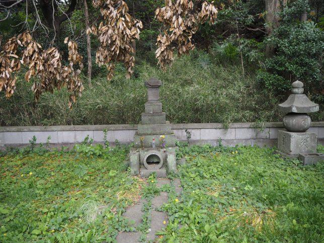 北条実時の墓